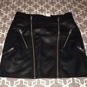 Express Leather Moto Skirt Size 6 NWT